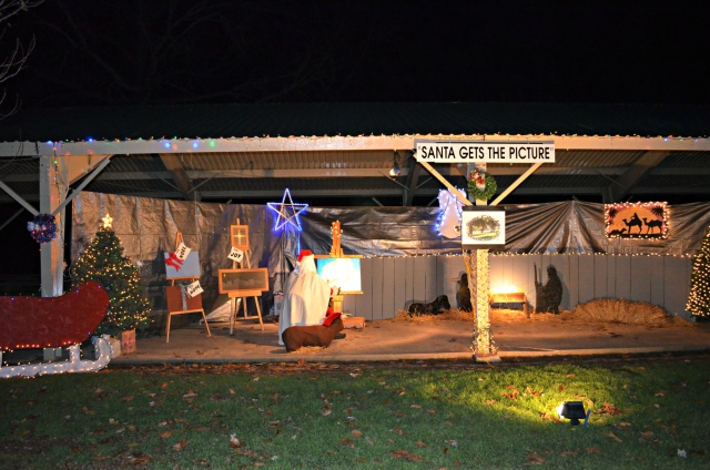 RCAA entry in Christmas in the Park shelter decorating contest